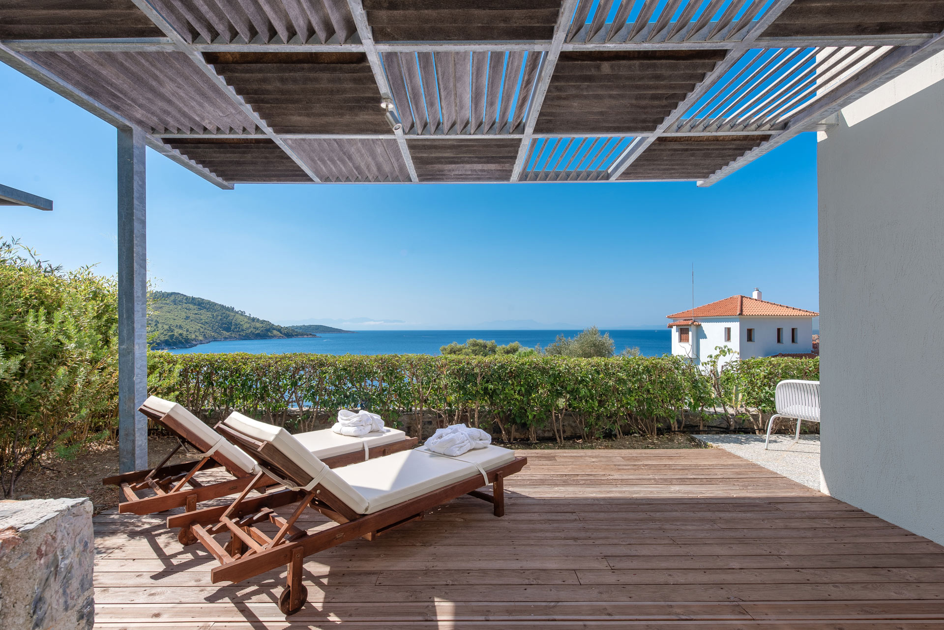 skopelos hotels adrina resort 1 beroom 1 level villa 350